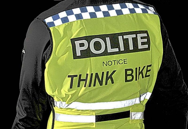 Bicicletas en Londres - Bicis - Revista de Bicicleta - Vestirse como Policía