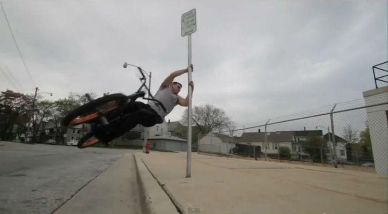 Tim Knoll - Un excelente video de bicicletas BMX