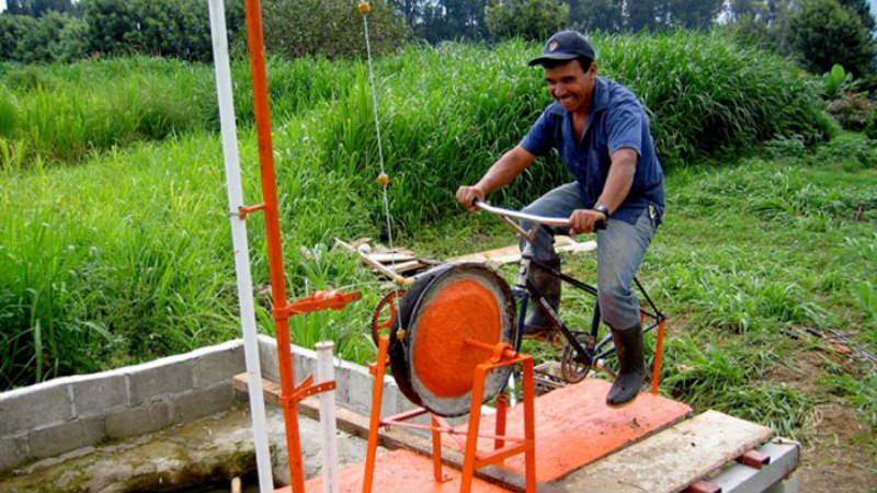 Ayudando con bicicletas en Guatemala - Maya Pedal
