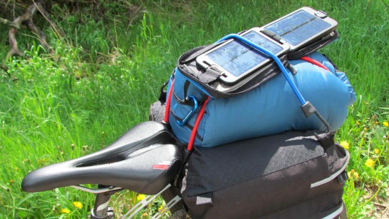 PowerTraveller Solarmonkey Adventurer - Accesorio para cicloturismo Revista Bicicletas