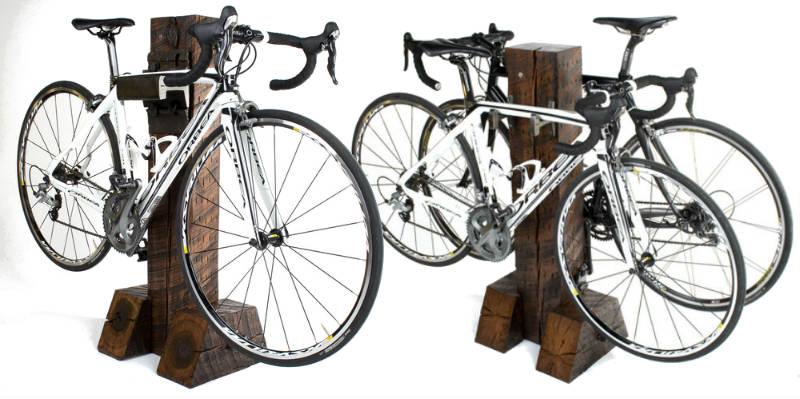 Excelente rack para bicicletas de rail yard studios for Como guardar la bici en un piso