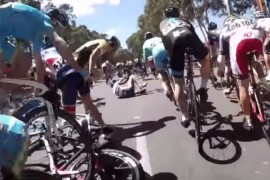 Video mira como se salvo Jeremy Roy en el Tour Down Under