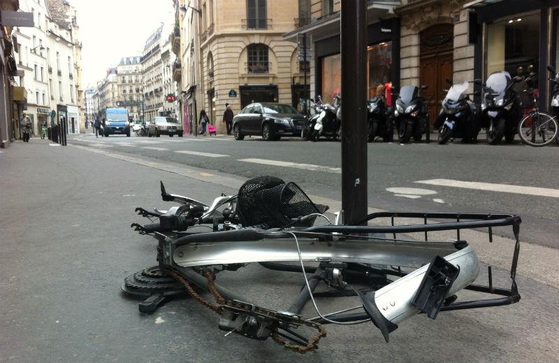 Bicicletas en Paris abandonadas - Cicloturismo Urbano