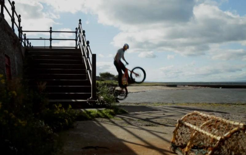 Danny MacAkill - Bicicletas y RedBull 2