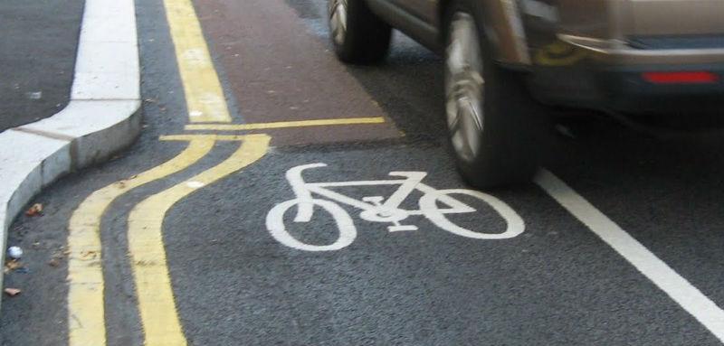 Cascos para bicicletas - Auto adelantar
