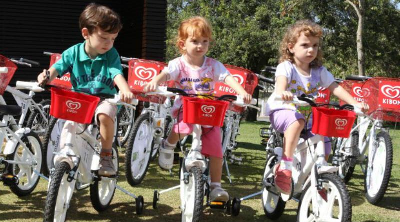 Kibon promueve las bicicletas en Brasil - Belo Horizonte - Niños