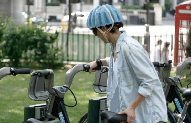 Pulp Paper Helmet - Casco para bicicletas de papel