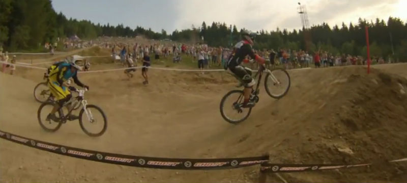 Maniobra arriesgada en final de competencia de bicicletas BMX