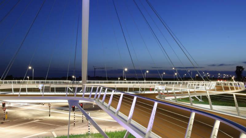 Puente innovador para bicicletas en Holanda