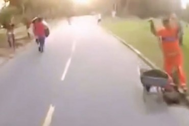 Indignados con este robo de bicicletas en Rio de Janeiro