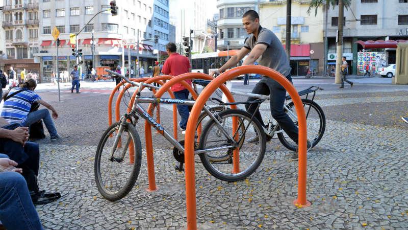 Nuevos estacionamientos para bicicletas en San Pablo Brasil