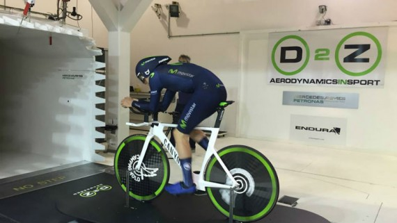Alex Dowsett Team Movistar se prepara para ser el ciclista mas rapido del mundo UCI