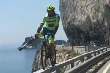 Vittorio Brumotti y una maniobra que quita el aliento