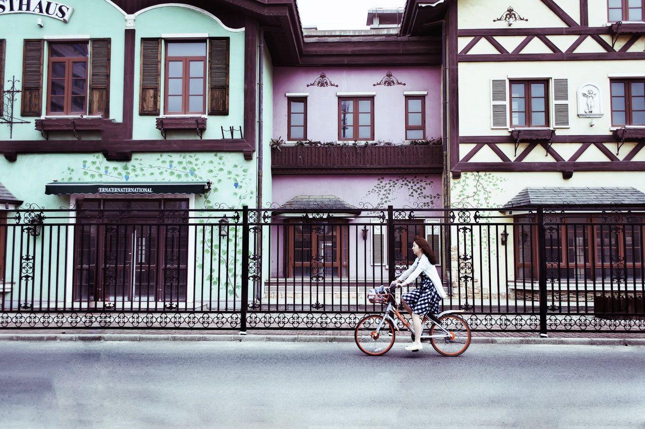 5-Consejos-De-Seguridad-Para-Utilizar-La-Bicicleta-En-La-Ciudad
