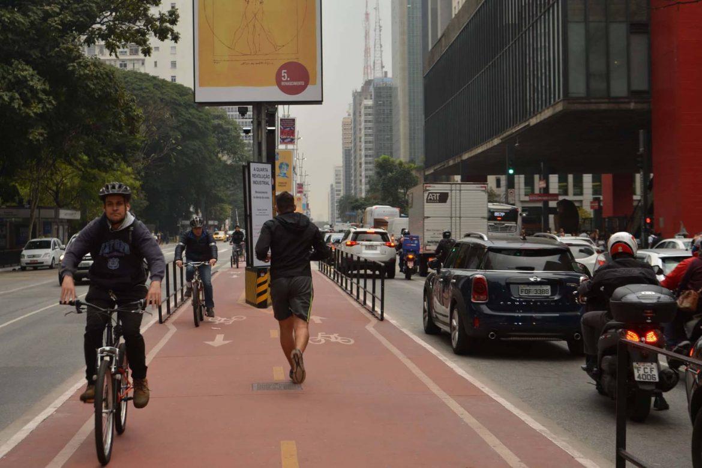 Ciclistas en Brasil Nuevo Código de Transito Brasilero